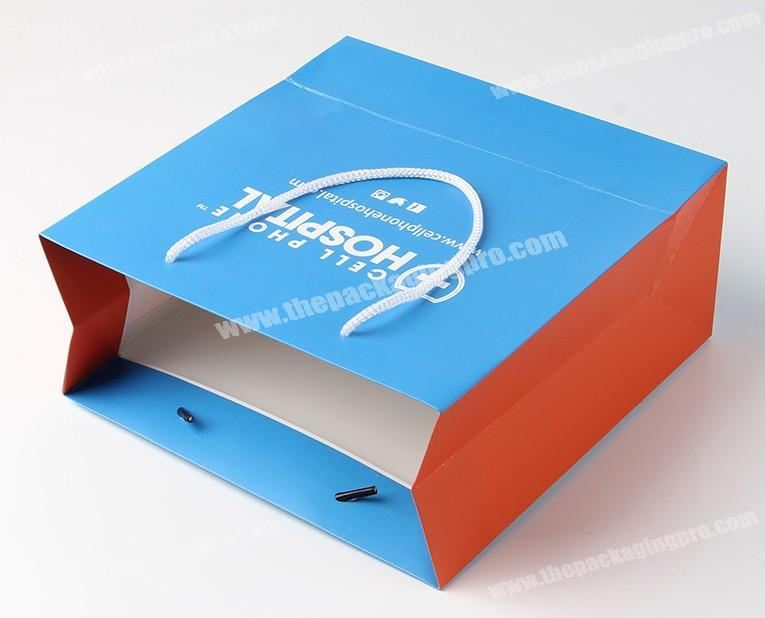 2017 China manufactures design gift paper bag with my own logo print