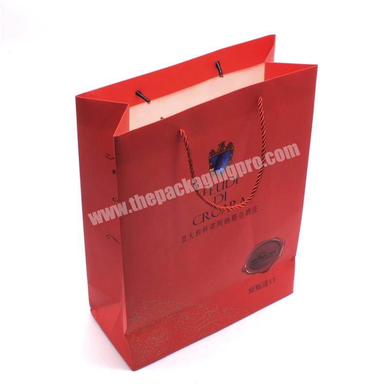 Factory 2020 Popular factory new customized art paper glittering red paper handle bag for gift clothes packaging paper bag