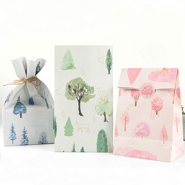 3 pcs/set 23 * 13cm forest Small tree Paper Best Gift Bags with Sticker for Christmas Wedding Party Candy Food Packaging bag