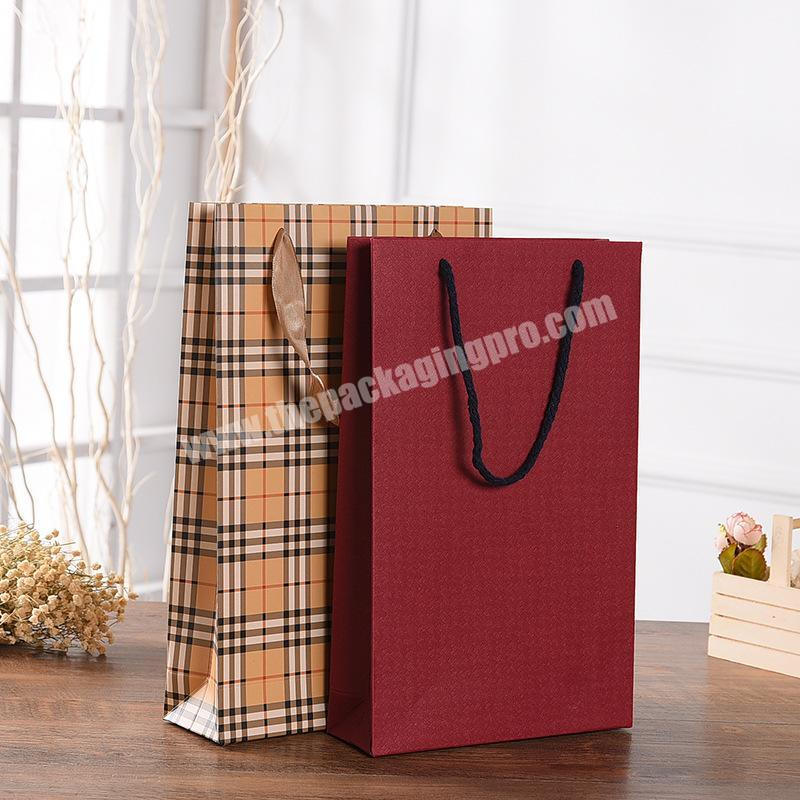 China 230g white Card Daily Series Design  Paper Bag
