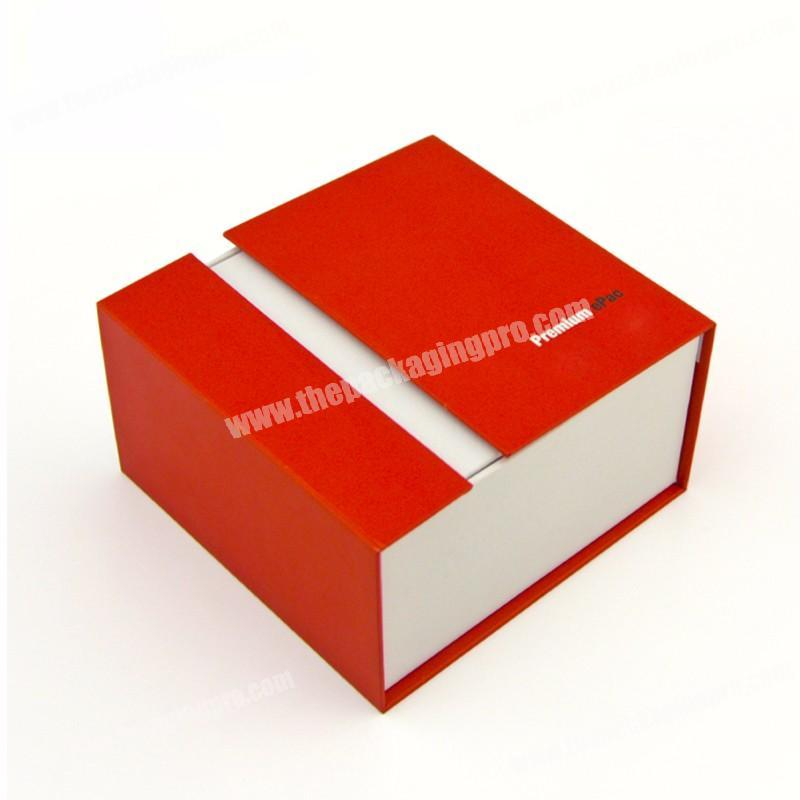 Custom Hot Selling Red Paper Cover Christmas New Year Present Packaging Box