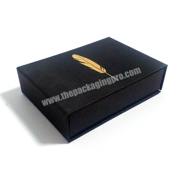 Custom hot stamping gift credit card packaging box with magnetic closure