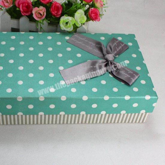 Custom popular gift box with bowed cardboard packaging retail paper box eco friendly