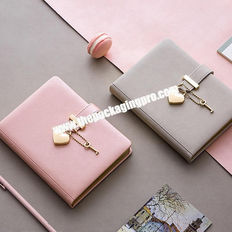 Custom PU Leather Notebook Golden Edge Agenda Planner Self Care Motivation Promotion Gift Lovers Diary With Heart Shaped Lock