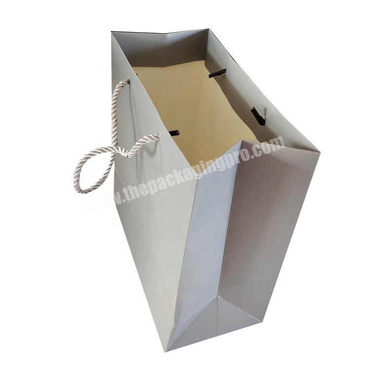 Custom shopping gift paper packaging cardboard bag with handle