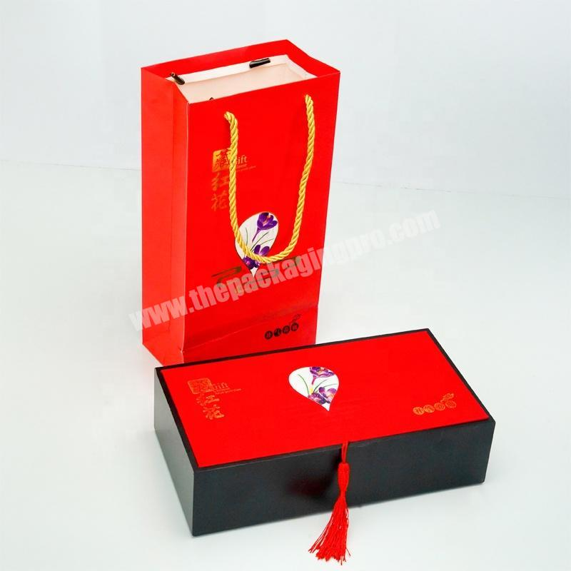 Dongming custom red white cardboard paper healthy food gift bag with matt lamination