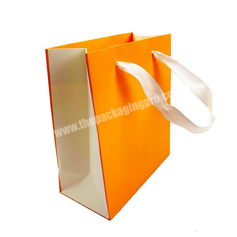 Factory Outlet Sale Eco-friendly Carrier Coated Paper Printed Gift Paper Shopping Bag with Your Own Logo