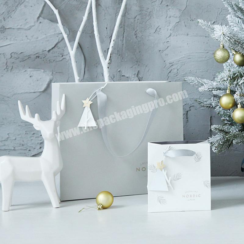 Free Sample Christmas Event Gift Green Paper Bag