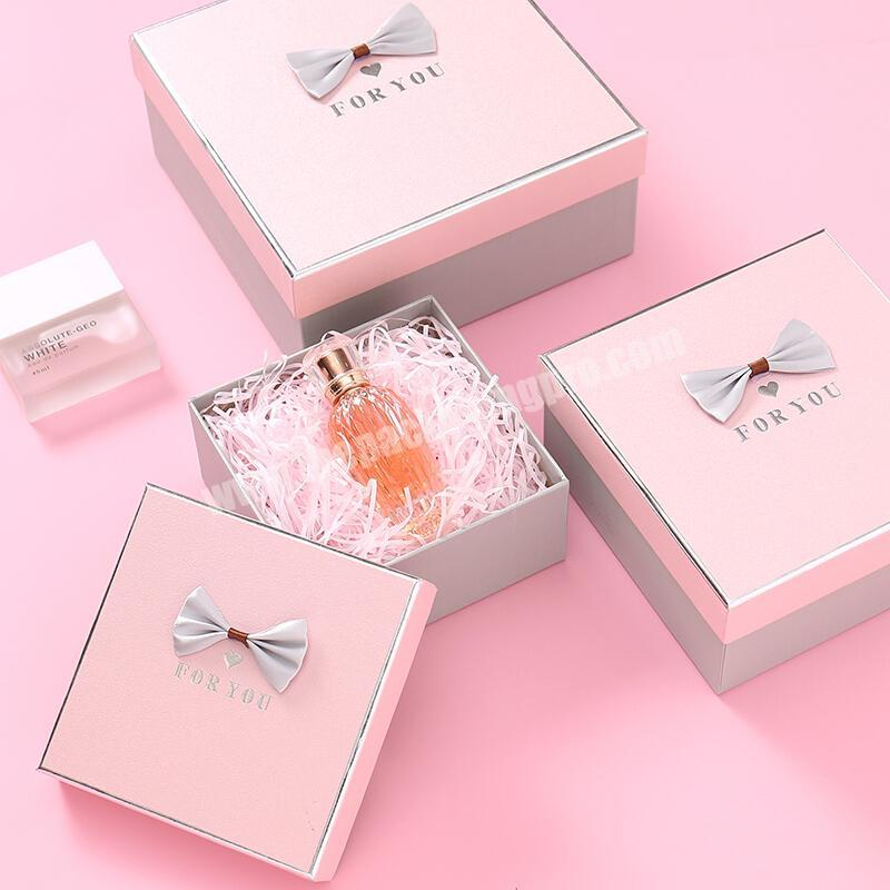 Hot Sale Noble Elegant Glossy Customized Size Hot Silver Printed Custom Pink Packing Carton Box With Bow