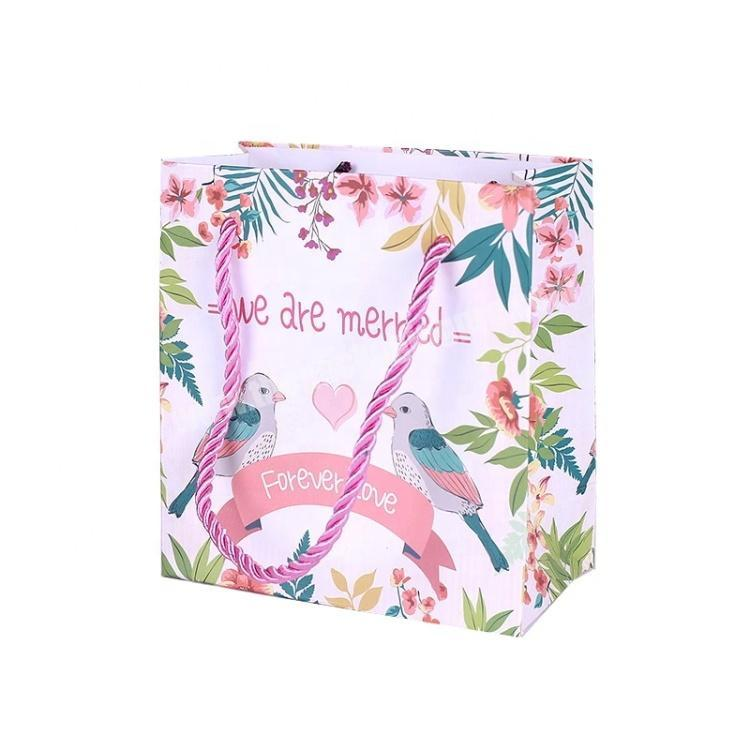Low Cost Wedding Gift Packaging Paper Bag Logo Print Cash on Sale Customised
