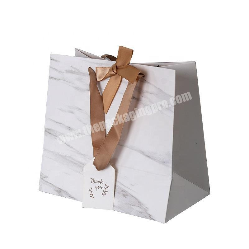 Luxury bow tie ribbon paper shopping gift bag with tag
