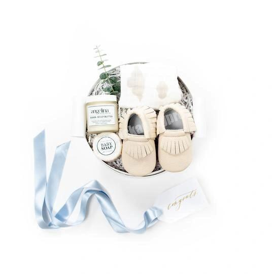 Supplier Luxury New Born Baby Shower Gift Packaging Design Round Baby Gift Box With Ribbon