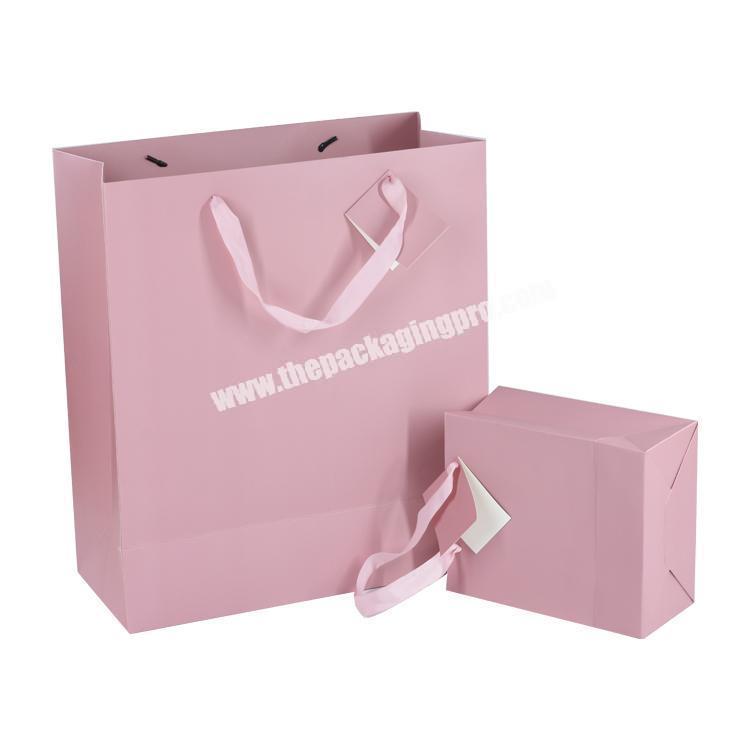 New custom logo packaging gift bag , custom foldable gift paper bag for wholesale