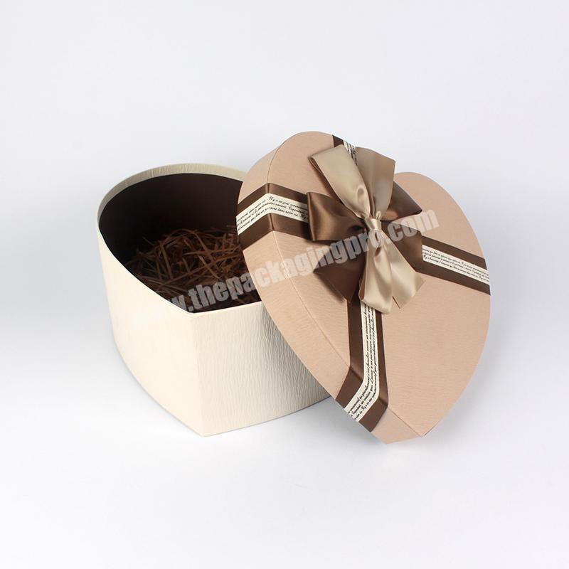 New Popular Heart-Shaped Premium Paper Gift Box With Ribbon