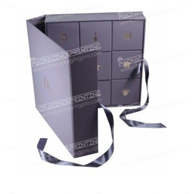 Purple packaging clamshell box