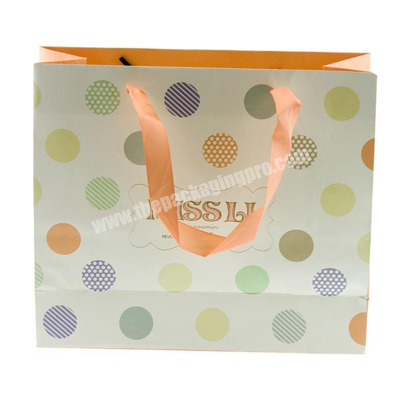 Recyclable Cheap Foldable Paper Gift Carry Packaging Bag Clothes Shopping Matt Tote Bag Customized Logo Design