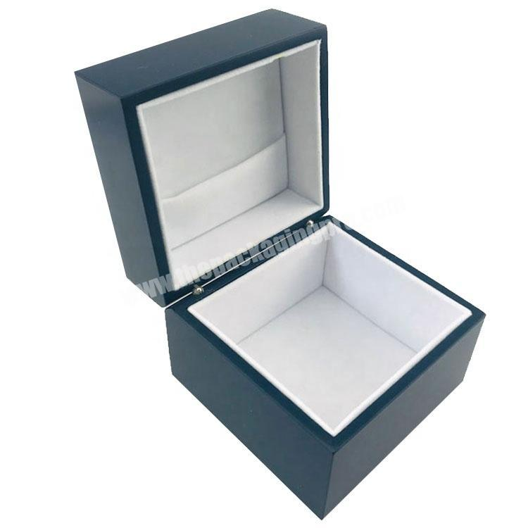 Custom Smooth matte surface lacquer painted wood packaging box with velvet inside