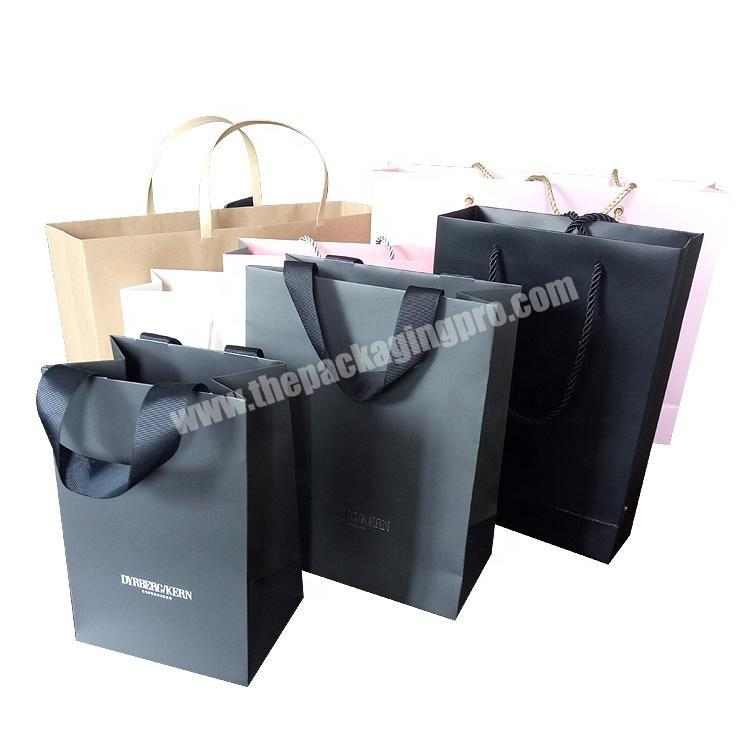 Wholesale Custom Paper Gift Bag With handle  and  Design Logo for Wedding luxury paper shopping gift bag